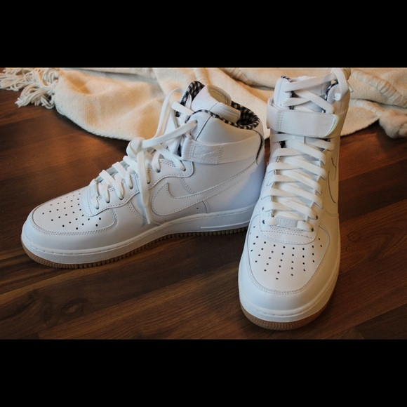 Air Force 1 High '07 NWT